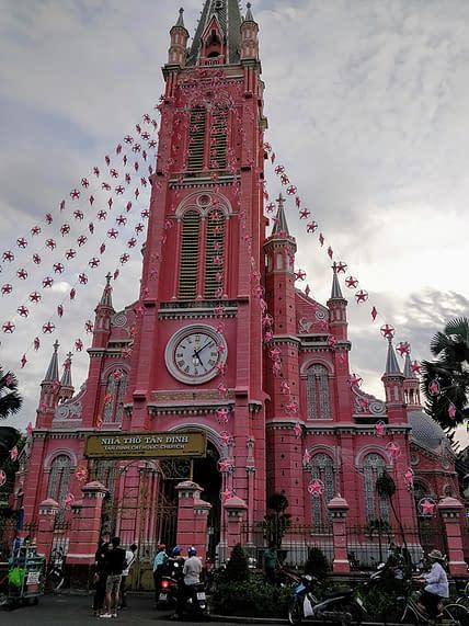 Saigonin pinkki kirkko